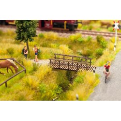 14620  Mały drewniany mostek