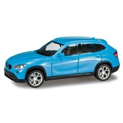 Herpa 024341-002, BMW X1, light blue, skala H0