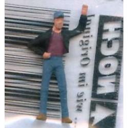 "NOCH 120-008, osoba stojąca, ""Luzak II"", figurka, skala TT"