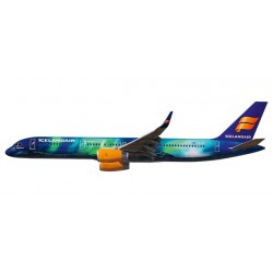 "Herpa 610735, Icelandair Boeing 757-200 ""Hekla Aurora"", 1:200"