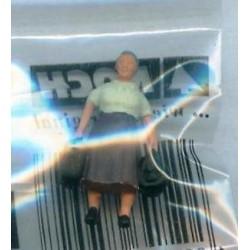 """NOCH 116-041, osoba stojąca, """"Pani z bagażem"""" (2), figurka, skala H0"""