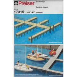 Preiser 17315, marina z drewnianym pomostem. Skala H0.