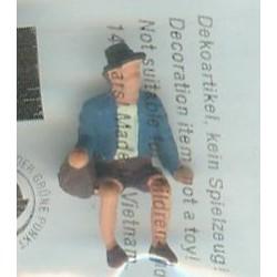 """NOCH 118-023, osoba siedząca, """"Tyrolczyk"""", figurka, skala N"""