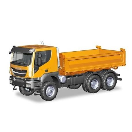 Herpa 309998, Iveco Trakker 6x6 3-os. wywrotka, orange, skala H0.