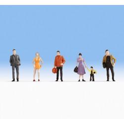 NOCH 18101, Osoby stojące, oczekujący pasażerowie, skala H0.