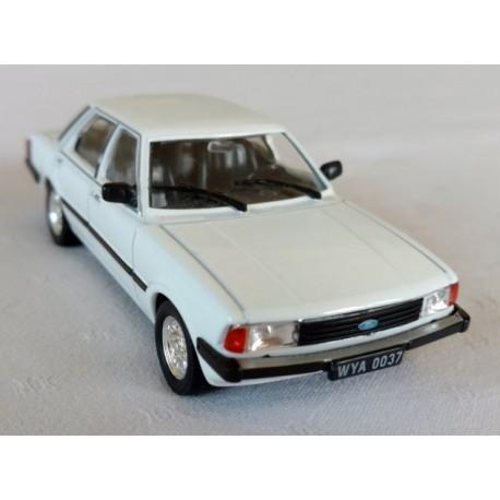 -KOMIS-, Ford Taunus, model metalowy, skala 1:43.