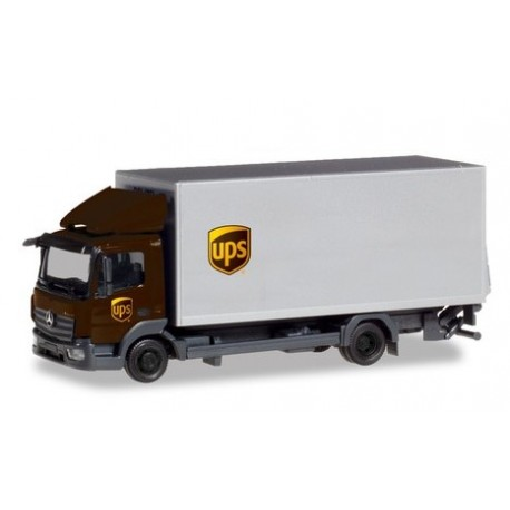 "Herpa 310208, Mercedes-Benz Atego box truck with liftgate ""UPS"", skala H0."