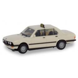 "Herpa 094849, BMW 528i ""Taxi"", skala H0."