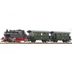 """PIKO 37125, Zestaw kolejki """"ogrodowej"""" w skali G, BR 80 DR plus 2 wagony osobowe."""