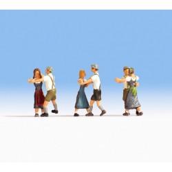 Noch 15857, Trzy tańczące pary, zestaw figurek, skala H0.