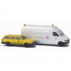 "BUSCH 8306. Dwa samochody: VW Passat pocztowy + MB Sprinter ""DT"", skala N (1:160)."